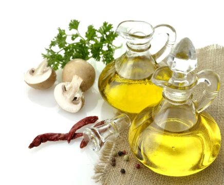 Which Oils Are Best for Homemade Dog Food?